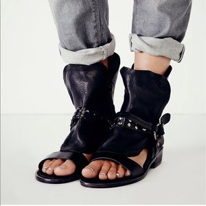 Free People leather EVERYTHING WENT WEST sandal